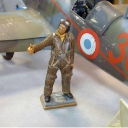 French Pilot Officer 1940 Kit 1/32 scale