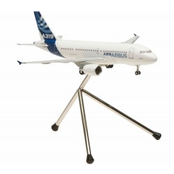 A319 (Airbus House Colors) with tripod and gears 1/200 Scale