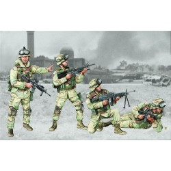 US 101st Airborne Div'n Crew (4 figs) 1/35 Scale Kit