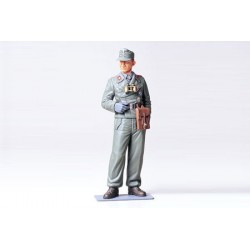 WEHRMACHT TANK CREWMAN 1/16 Scale Model