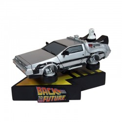 BTTF DELOREAN FLYING VERSION MOTION STATUE