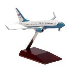 B737-700 C40C (US Air Force) 50932 Assembled with wooden stand 1/200 Scale