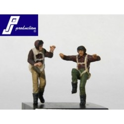 Set Of 2 Us Pilots Of The Ww2 Standing 1/72 Resin.Needs Assembly & Painting.