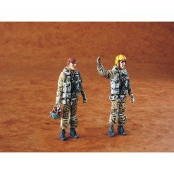 Us Navy Pilots Modern (2 Figures) 1/48 Kit .Needs Assembly & Painting.