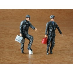 Warsaw Pact Mechanics Modern (2 Figures) 1/48 Kit
