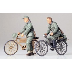 German Soldiers With Bicycles 1/35 Kit